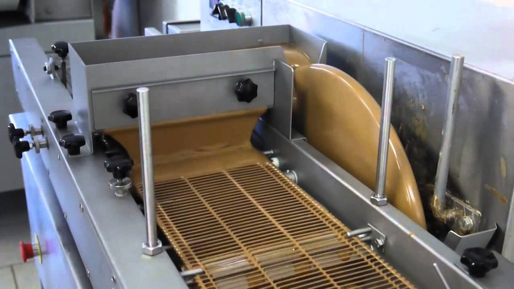 Chocolate Enrobing Machine